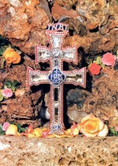 Cruz de Caravaca - The Cross of Caravaca (la Vera Cruz) is a powerful amulet believed to ward off evil and increase good fortune.