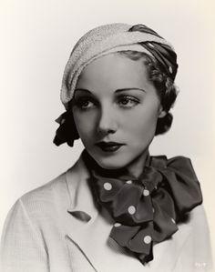 Leila Hyams, 1932. Stunning Depression 1930 30s fashion.