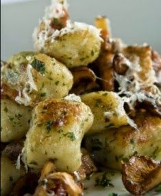 Cooking Pinterest: Mushroom Gnocchi Recipe - this looks so good and so easy!