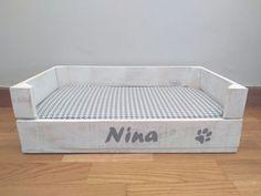 Perro: Cojines - cama perro gato pequeño personalizado - hecho a mano por de-tal-palo-tal-mesilla en DaWanda
