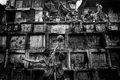 My home, my playground and my cemetery. Image © Mario Bejagan Cardenas. Gallery - 9 Finalists Nominated for the Art of Building Photographer of the Year Award - 2