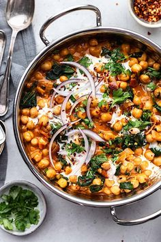 Chickpea and Spinach Curry #vegan #recipe #curry #chickpea #spinach #easy #healthy