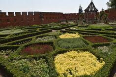 Królewskie ogrody na Wawelu, Kraków, Poland