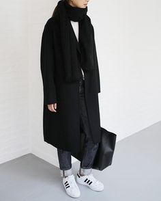 Sport oufits casual minimal chic for 2019 Look Fashion, Korean Fashion, Winter Fashion, Minimal Chic, Minimal Classic, Oufits Casual, Casual Outfits, Style Ulzzang, Normcore