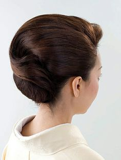 how-to-do-hair-in-a-classic-french-twist - Fab New Hairstyle 1 French Twist Hair, Bride Hairstyles, Vintage Hairstyles, Different Hair Cut, Long Hair Cuts, Long Hair Styles, Tousled Hair, Hair Arrange, Up Dos