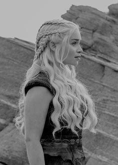 "thronesdaily: "" ""Daenerys Targaryen in 6x05, 'The Door'. "" """