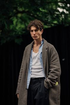 The best street style looks of Men& Fashion Week .- Les meilleurs looks street style de la Fashion Week homme printemps-été 2020 … The best street style looks of London Spring-Summer 2020 Fashion Week – - London Fashion Weeks, La Fashion Week, Look Fashion, Daily Fashion, Fashion Trends, Fashion 2020, Fashion Clothes, London Mens Fashion, Fashion Advisor
