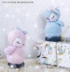 Crochet pattern to create a inch penguin amigurumi cm). To make this cute crochet toy you will need a cotton yarn and a … Crochet Penguin, Crochet Parrot, Crochet Teddy, Crochet Bunny, Cute Crochet, Crochet Dolls, Crochet Amigurumi Free Patterns, Crochet Animal Patterns, Baby Patterns
