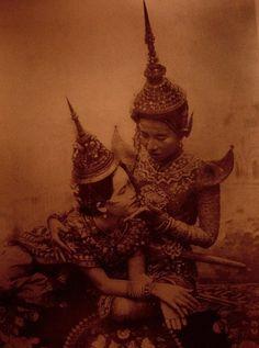 #Traditional #dresses | #Cambodia