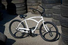 OLD SKOOL Men\'s Beach Cruiser Bike - Gloss White