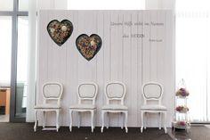 Hochzeitsthron Brautpaar Trauzeugen Bibelvers Trauung Bethaus christliche Hochzeit Wedding Vintage Holz Thron white