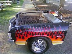 Frente de carro antigo vira uma churrasqueira bem estilosa.  www.designtendencia.com
