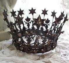 Couronne Jeanne d'arc living sur www.perledelumieres.com stars crown