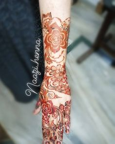 #henna#hennaart#hennatattoo#hennamehndi#mehndidesigns#bridalhennadesigns#hennadesigns#hennafun#hennalover#mehndilovers#hennainspired#dulhanhenna#mehndinight#weddingday#wedding#rosehenna#flowermehndi#art#artist#bride#indianmehndidesign#naturalhenna#hennastain#arabichenna#hennabook#hennapro#7enna#tattoo#bodyart#Naazi_henna#zulfas_henna #rosemehndi Henna Designs, Mehndi, Body Art, Bride, Tattoos, Artist, Wedding, Henna Art Designs, Mariage