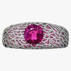 Tiffany & Co. Pink sapphire bracelet with diamonds and rubellite Pink Jewelry, Luxury Jewelry, Turquoise Jewelry, Bridal Jewelry, Diamond Jewelry, Diamond Bangle, Jewelry Box, Jewelry Necklaces, Vintage Costume Jewelry