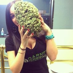 Follow CannabisART for more daily Cannabis News/Pictures <3