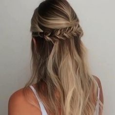 Easy Wedding Guest Hairstyles, Wedding Hair Half, Cute Hairstyles For Medium Hair, Down Hairstyles, Medium Hair Styles, Long Hair Styles, Fancy Hairstyles, Half Up Half Down Short Hair, Simple Prom Hair