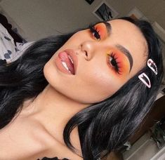Gorgeous Makeup: Tips and Tricks With Eye Makeup and Eyeshadow – Makeup Design Ideas Glam Makeup, Baddie Makeup, Glitter Makeup, Skin Makeup, Makeup Inspo, Eyeshadow Makeup, Makeup Inspiration, Eyeliner, Glitter Eyeshadow