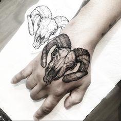 Octopus Tattoos, Skull Tattoos, Black Tattoos, Sleeve Tattoos, Knuckle Tattoos, Head Tattoos, Body Art Tattoos, Gotik Tattoo, Tattoo Ideas
