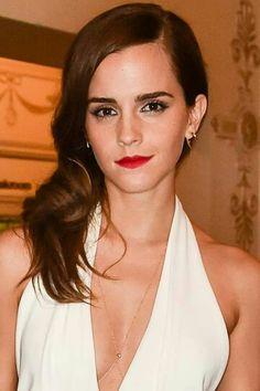 Emma Watson Sexiest, Emma Watson Beautiful, Lady Gaga Makeup, Beautiful Redhead, Hermione Granger, Classic Beauty, Beauty And The Beast, Redheads, Charlotte