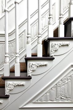 I think I could just stare at this stairway all day long. All those carvings are just gorgeous! I would love to have a stairway like this in my home.