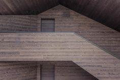Contemporary Chalet by Rudolf Perathoner Architect | HomeAdore