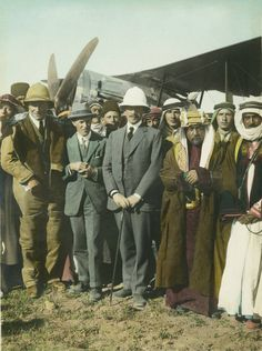 On the Aerodrome at Amman. Laurence [T. Lawrence, a. Lawrence of… Amman, Gertrude Bell, Pith Helmet, Empire Ottoman, Lawrence Of Arabia, Tribal Warrior, Hunter Original, Stylish Hats, Go Hiking