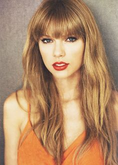 Taylor Swift beauty. so pretty. flawless skin. blonde hair red lips blue eyes