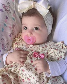 Asian Bridal Dresses, Cute Babies, Kids Outfits, Children, Face, Clothes, Book, Geography Activities, Anime Crying