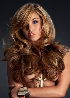 Gold, Beige and icy blondes are intertwined to create a luxury blonde  (by Guy Tang)