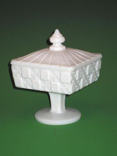 Westmoreland old quilt footed candy dish