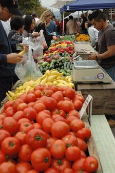 Weekly farmers market in Campbell, CA