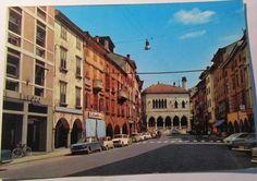 Un'immagine anni '60 di Via Mercatovecchio a Udine