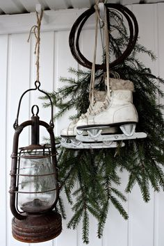 There are a lot of different themes that you can have for Christmas. One of them is the vintage Christmas style. If you want, you can try the vintage Christmas decoration to generate this kind of Christmas idea. The point… Continue Reading → Christmas Porch, Noel Christmas, Primitive Christmas, Outdoor Christmas Decorations, Country Christmas, Winter Christmas, Christmas Crafts, Christmas Vignette, Vintage Decorations