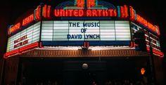 Παρέλαση καλλιτεχνών σε εκδήλωση για τον David Lynch με την Kid Moxie στο Mysteries of Love — ΣΚΑΪ (www.skai.gr) David Lynch, Broadway Shows