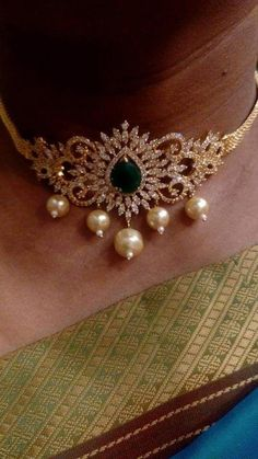 Check out choker necklaces! Gold Earrings Designs, Gold Jewellery Design, Necklace Designs, Gold Jewelry, Bridal Jewelry, Designer Jewellery, Latest Jewellery, Jewelery, Gold Choker Necklace