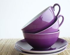 Lovely violet tea cups (by Gisela Francisco) Lovely purple tea cups from M… Purple Rain, The Purple, All Things Purple, Shades Of Purple, Purple Stuff, Purple Shoes, Light Purple, Magenta, Purple Tea Cups