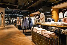 Die Firma Moysig setzt bei dem neuen Design des Mensing Stores auf eine angenehme Einkaufsatmosphäre für jeden Kunden. #madebymoysig #Bottrop #Design #Designkonzept #Glück
