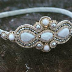Shibori, Soutache Jewelry, Beaded Jewelry, How To Make Beads, Handmade Art, Beaded Embroidery, Turquoise Bracelet, Jewerly, Beading