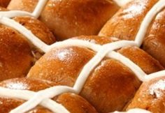 Hot cross buns are a traditional Easter baking recipe that uses a yeast based dough and the addition of aromatic spices such as cinnamon and allspice and delicious dried fruit. Maltese, Easter Hot Cross Buns, Yummy Treats, Yummy Food, Bread Mix, Easter Recipes, Easter Food, Easter Dinner, Easter Ideas