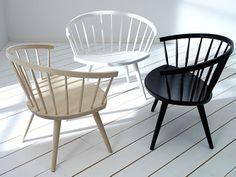Cadeiras de Madeira com Encosto Arredondado. Designer: Yngve Ekström.