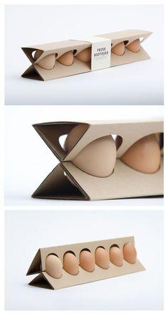 簡易實用的雞蛋盒   匈牙利設計師奧蒂利婭Erdelyi用少量的材料,天然微波紙箱和一塊紙組成。  雞蛋都放在成橢圓形的間隙中,只要取下上部就能拿到雞蛋。
