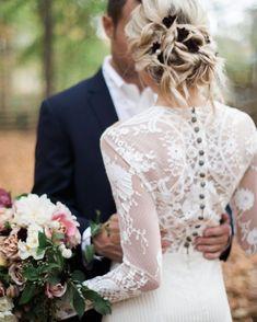 Bom dia lindezas! Quem vai optar por um vestido de noiva mais sequinho e cheio de bossa?