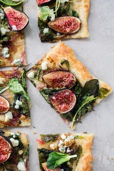 Fresh Puff Pastry Fig Flatbread with Blue Cheese and Greens Tapas Recipes, Fig Recipes, Beef Recipes, Appetizer Recipes, Whole Food Recipes, Cooking Recipes, Crepe Recipes, Appetizer Ideas, Burger Recipes