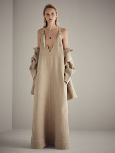The only source for fashion, style and beauty - Vogue Australia Look Fashion, Runway Fashion, High Fashion, Fashion Show, Womens Fashion, Fashion Design, Fashion Trends, Looks Style, Minimal Fashion