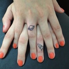 Too cute! Hermanas y amigas con adorables tatuajes combinados