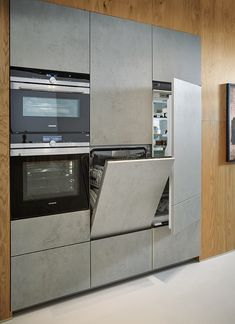 The freestanding kitchen island presents itself as chiseled from one piece in . - The free-standing island in ceramic concrete gray replica appears as if it were carved from one pie - Kitchen Room Design, Best Kitchen Designs, Modern Kitchen Design, Kitchen Layout, Home Decor Kitchen, Kitchen Interior, Kitchen Ideas, Backyard Kitchen, Pantry Ideas