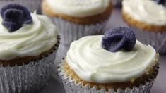Veilchen-Cupcakes: Rezept für leckere Cupcakes - Sweet & Easy - Enie backt - sixx