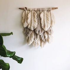 Small Plumage // natural, linen by tracey Macrame Projects, Craft Projects, Diy And Crafts, Arts And Crafts, Diy Accessoires, Floating Shelves Diy, Macrame Patterns, Macrame Knots, Fiber Art