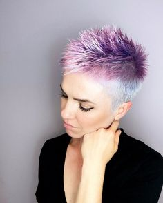 Easy Hairstyles For Thick Hair, Pixie Haircut For Thick Hair, Pixie Hairstyles, Gray Hairstyles, Hairstyle Short, Edgy Short Haircuts, Short Haircut Styles, Shortish Haircuts, Short Hair Cuts For Women Pixie